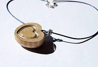 Náhrdelníky - Drevený náhrdelník - Veľké srdce - 9493796_