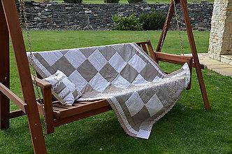 Úžitkový textil - Patchworková prikrývka do študentskej izby - 9494287_