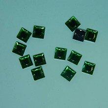 Iný materiál - Našívacie kamienky štvorce zelené 8x8mm - 9494509_