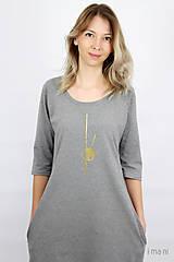 Šaty - Dámske šaty s vreckami šedé z úpletu IO6 - 9492282_