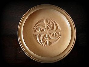 Nádoby - drevený tanier... - 9498102_