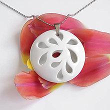 Náhrdelníky - White Flower - 9498990_