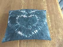 Úžitkový textil - Čierny batikovaný vankúš - 9498180_
