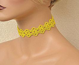 Náhrdelníky - Náhrdelník obojkový s čipkovaným vzorom  (Žltá) - 9498222_