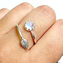 Prstene - Simple Leaf Silver Gemstone Ring Ag925 / Strieborný prsteň s minerálom /0436 (Moonstone / Mesačný kameň) - 9500323_