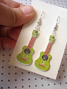 Náušnice - Náušničky gitarky v červenom (Zelená) - 9499552_