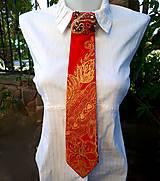 Iné doplnky - Madam Red-hodvábna maľovaná a vyšívaná dámska kravata - 9503048_
