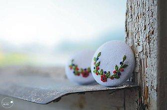 Náušnice - Červeno-zelené polvenčeky v bielom objatí - veľké - 9499781_