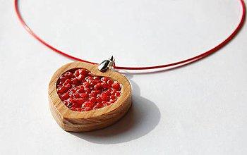 Náhrdelníky - Drevený náhrdelník - Červené srdce - 9501376_