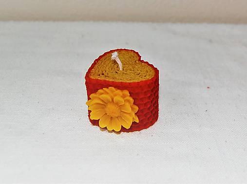 Srdiečková sviečka s kvetinkou v krabičke (s margarétkou)