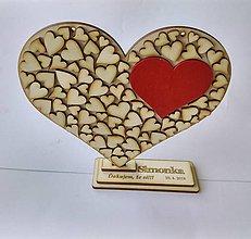 Tabuľky - Drevené srdce (srdiečko na gravírovanom stojane) - 9503563_