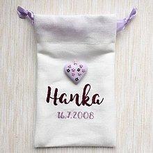 Detské doplnky - Vrecúško s ručnou výšivkou a ručne modelovaným srdiečkom fialové - 9503683_