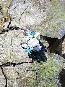 Prstene - Modro - biely prsteň so striebornými korálkami - 9504410_