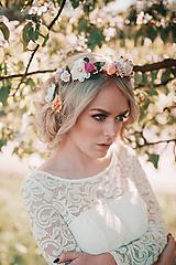 Ozdoby do vlasov - Nežný, ružovo zlatý kvetinový venček - 9506330_