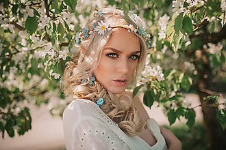Ozdoby do vlasov - Romantický modrý kvetinový pletenec - 9506020_