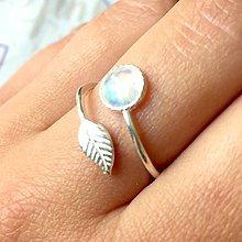 Prstene - Simple Leaf Silver Gemstone Ring Ag925 / Strieborný prsteň s minerálom /0436 (Moonstone / Mesačný kameň) - 9508323_