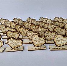 Darčeky pre svadobčanov - Drevená magnetka + menovka 2v1 - 9507983_