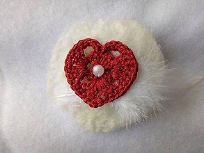 Odznaky/Brošne - svadobné pierko Love (bal) - 9509570_