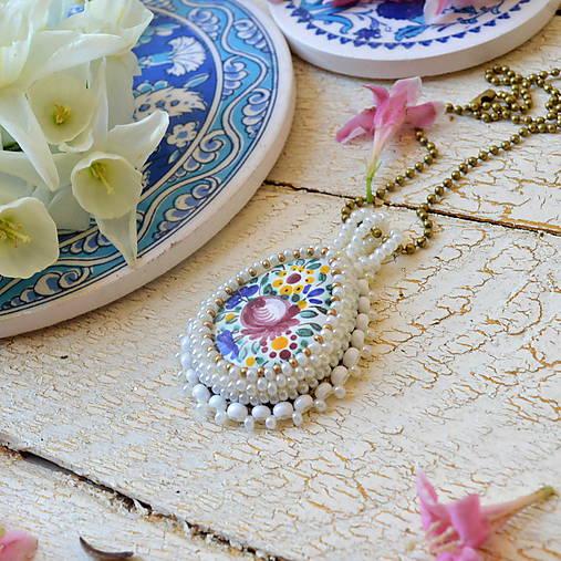Folklore n.2 - šitý náhrdelník