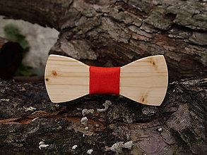 Doplnky - Drevený motýlik (Červená) - 9513065_