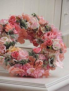 Dekorácie - Romantický jarný veniec na dvere - 9517658_
