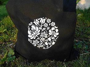 Nákupné tašky - biela a čierna-flowers.. - 9518929_