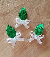 Pierka - pierka biele so zeleným listom - 9517928_