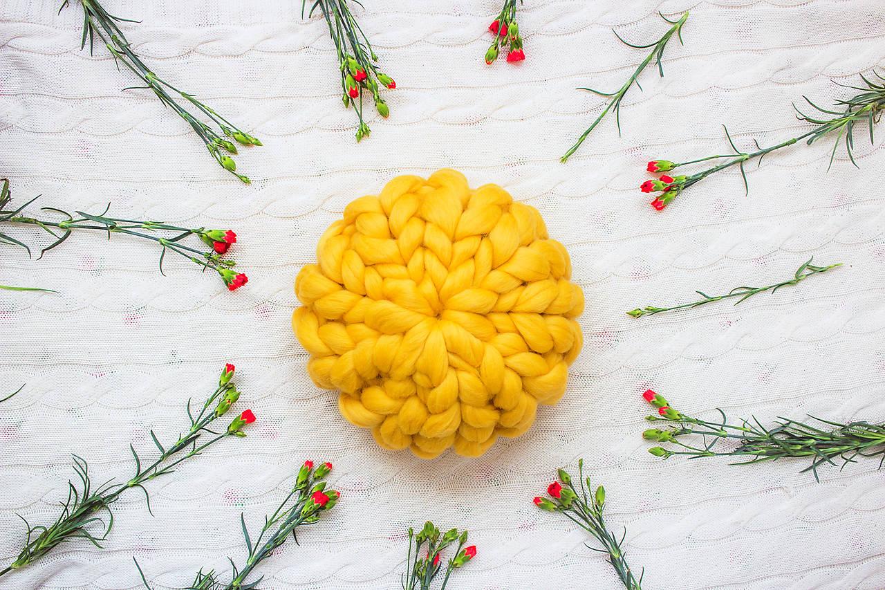 Úžitkový textil - ♥ jarná / letná edícia ♥ Okruhlý Merino vankúš - 9516249_
