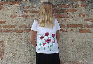 Tričká - RUČNE MAĽOVANÉ VLČIE MAKY na tričku - 9519104_