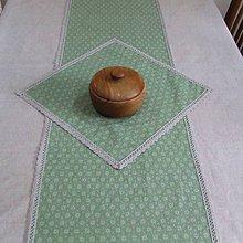 Úžitkový textil - Drobné zelené ornamenty na režnej  - obrus štvorec 106x35 - 9518502_