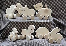 Drevené hračky. Zvieratká na kolieskach - 10 druhov