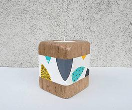 Svietidlá a sviečky - Drevený svietnik LEAVANT - ručne maľovaný - 9521147_