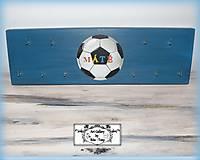 Nábytok - Vesiak na medaily pre futbalistu :) - 9519862_