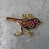Odznaky/Brošne - ČERVENÝ PTÁČEK, brož, z hodinek, steampunk - 9526914_