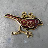 Odznaky/Brošne - ČERVENÝ PTÁČEK, brož, z hodinek, steampunk - 9526915_