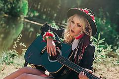 Červený kvetinový venček / Ozdoba na klobúk
