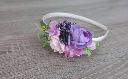 Čelenka fialová