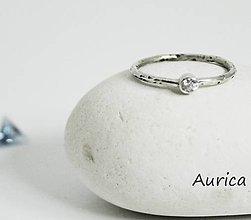 Prstene - Strieborný prsten so zirkonom - 9529524_