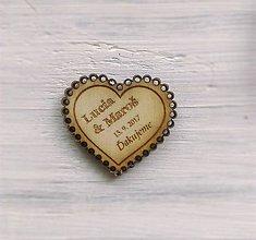 Darčeky pre svadobčanov - Drevená magnetka + menovka 2v1 (samostatná magnetka - menšia) - 9528866_