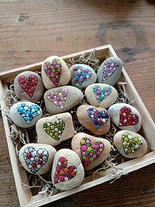 Dekorácie - Kúpim si kilo lásky.... - Na kameni maľované - 9531400_