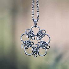 Náhrdelníky - Přívěsek Orbitalový květ (Strieborná) - 9531956_