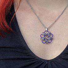 Náhrdelníky - Přívěsek Orbitalový květ (Fialová) - 9531972_