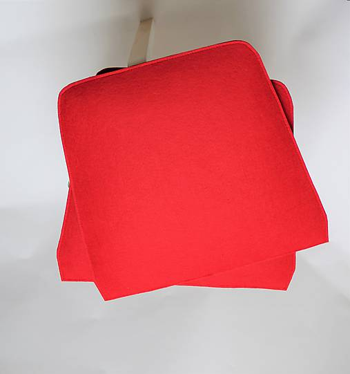 Podsedák červená