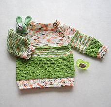 Detské oblečenie - Farebný svetrík pre bábätko, veľk. ca 62 - 9533046_