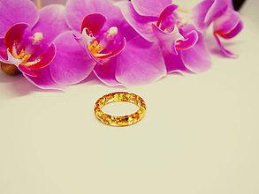 Prstene - Číry prstienok bez lôžka so zlatými trblietkami - 9534393_