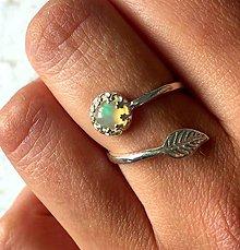 Prstene - Simple Leaf Silver Gemstone Ring Ag925 / Strieborný prsteň s minerálom (Ethiopian Welo Opal / Etiópsky opál) - 9534818_