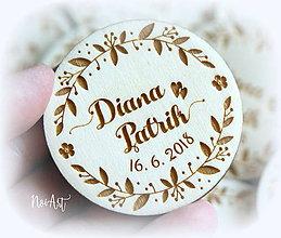 Darčeky pre svadobčanov - Svadobné magnetky kvetinkový venček - 9535420_