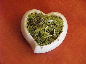 Prstene - Svadobné srdiečko na obrúčky - 9535557_