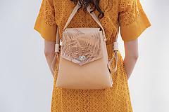 - Kožený batoh SHAPE botanic (reálna papraď) - 9539999_