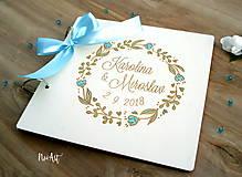 Papiernictvo - Svadobná kniha hostí, drevený fotoalbum - venček - 9543262_